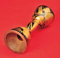 小鼓胴「錠図蔕梨」は保存状態が良く、400年の歳月を経た現在も光沢を放っている