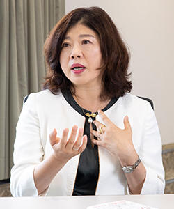 高田 朝子教授